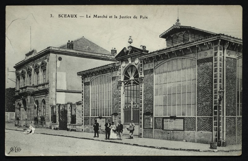 Carte postale ancienne Le Marché et la Justice de Paix à Sceaux