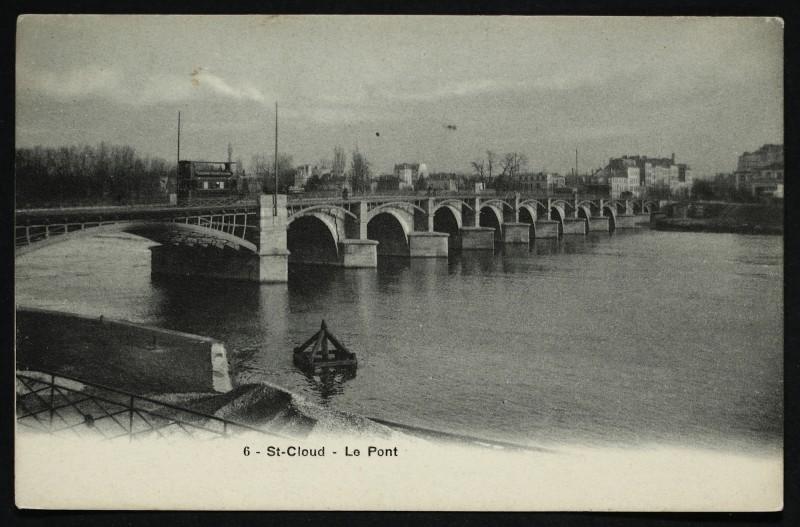 Carte postale ancienne Le Pont à Saint-Cloud