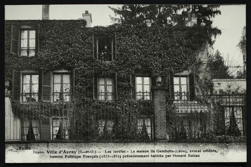 Carte postale ancienne Les Jardies - La maison de Gambetta [...] précédemment habitée par Honoré de Balzac à Sèvres