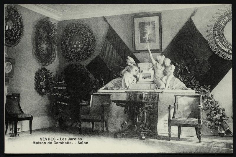 Carte postale ancienne Les Jardies - Maison de Gambetta. - Salon à Sèvres
