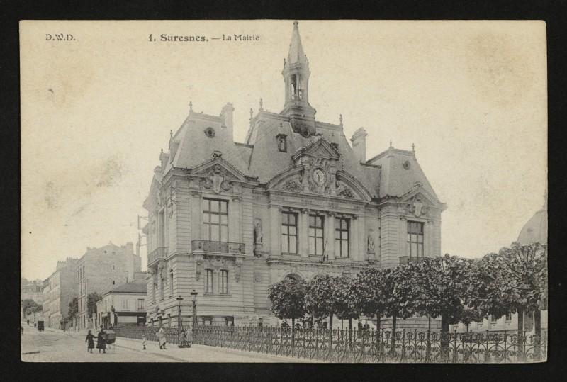 Carte postale ancienne La Mairie à Suresnes