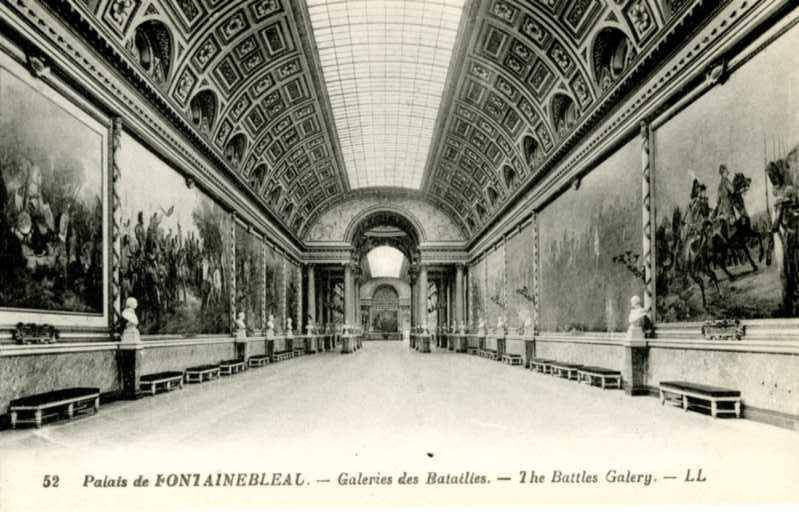 Carte postale ancienne 52 Palais de Fontainebleau (Palace of Fontainebleau, The Battles Gallery) (NBY 8328)