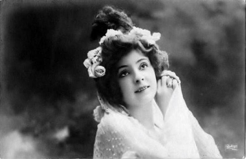 Carte postale ancienne Amélie Diéterle (1871-1941) (S05) à
