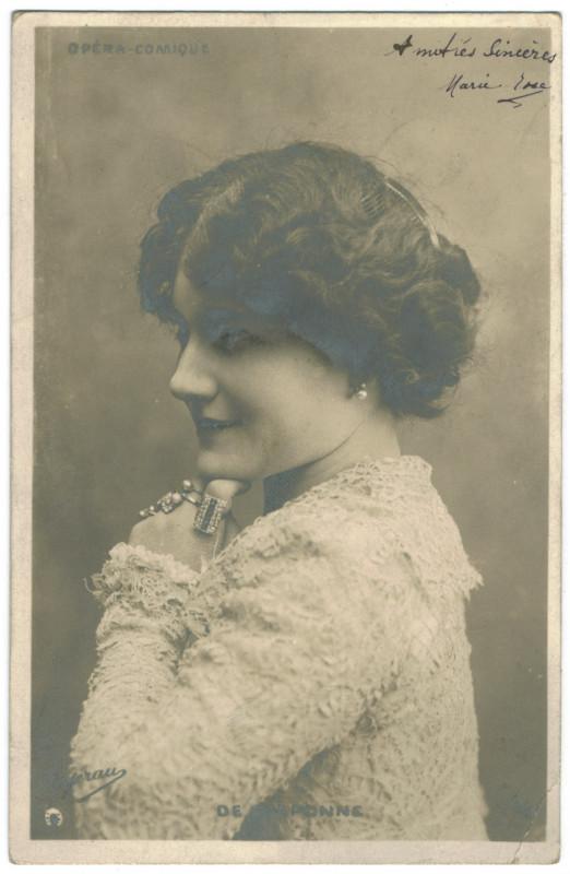 Carte postale ancienne Mademoiselle de Craponne. Opéra Comique. Photo Ogerau à