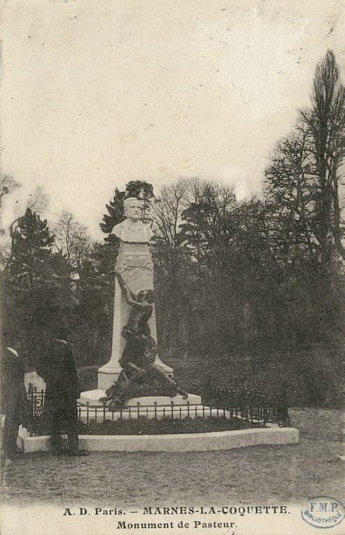 Carte postale ancienne Monument de Pasteur - Marnes la Coquette - A. D. Paris CIPA0824 à