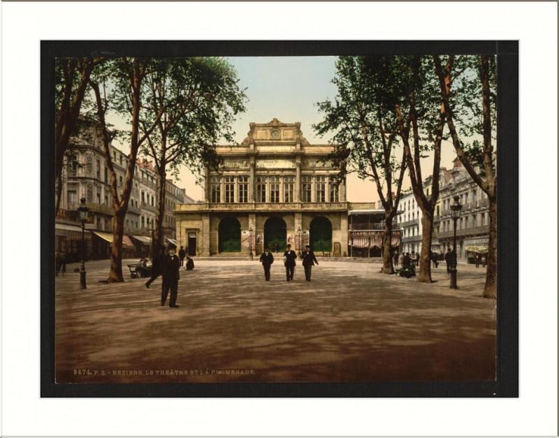 Carte postale ancienne Theatre and promenade Béziers France à