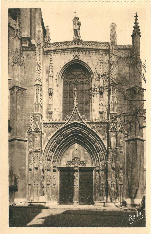 Carte postale ancienne Aix en Provence-Fr-13-vers 1930-la cathédrale Saint Sauveur-la porte à Aix-en-Provence
