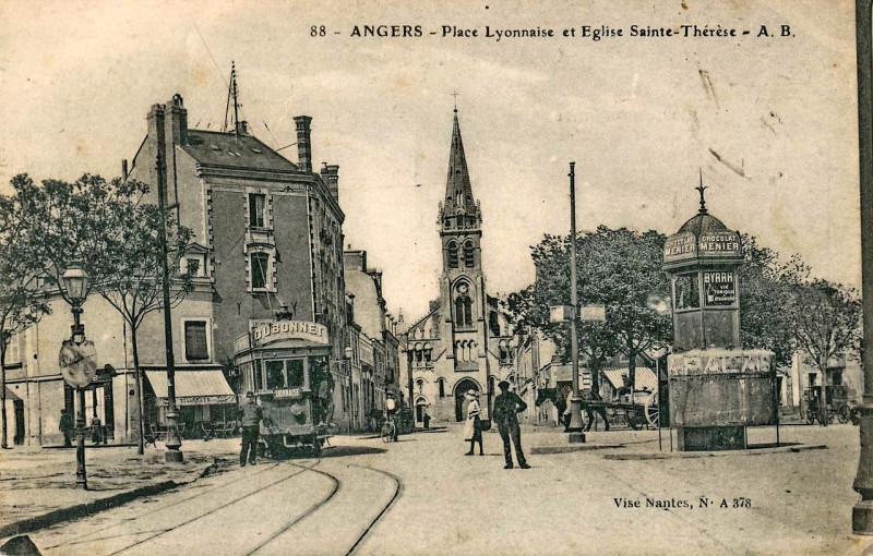 Carte postale ancienne Ab 88 - Angers - Place Lyonnaise et Eglise Sainte-Thérèse à Angers