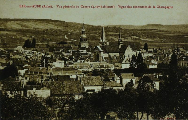 Carte postale ancienne Bar sur aube panorama 5325 à Bar-sur-Aube