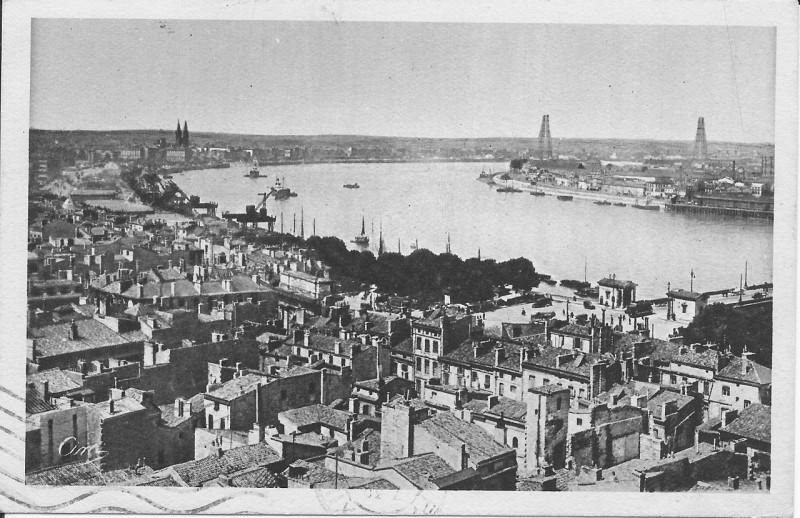 Carte postale ancienne Bordeaux-Vue Générale sur la Garonne et le Pont Transbordeur vers 1930 à Bordeaux
