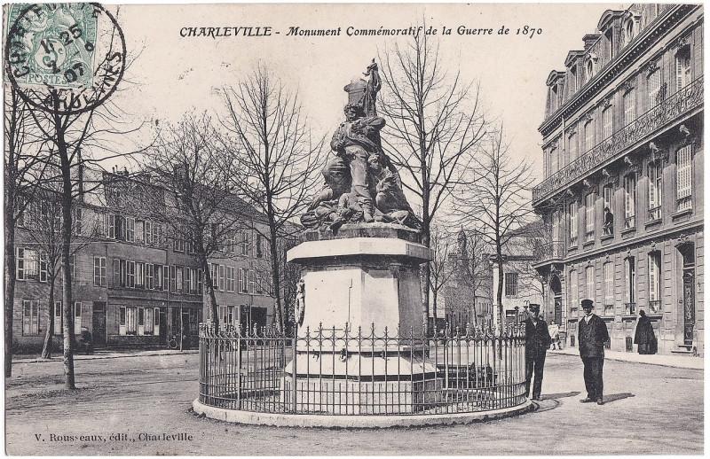 Carte postale ancienne Charleville — Monument Commémoratif de la Guerre de 1870 à Charleville-Mézières