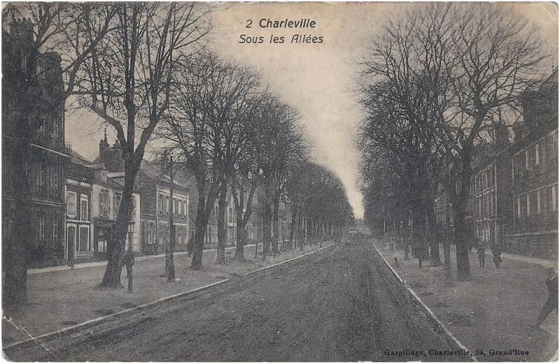 Carte postale ancienne Charleville — Sous les Allées à Charleville-Mézières