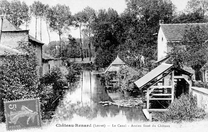 Carte postale ancienne Cp Château-Renard canal à Château-Renard