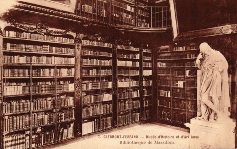 Carte postale ancienne Bibliothèque de Massillon 1905 ou avant à Clermont-Ferrand