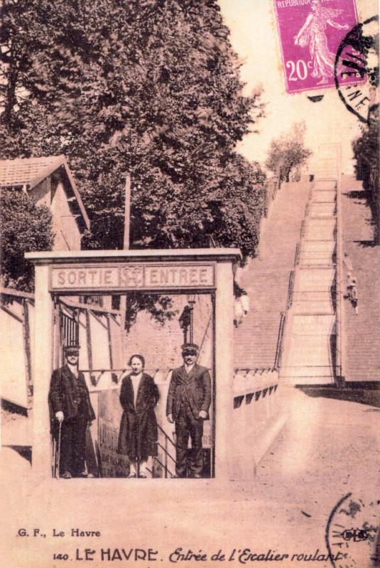 Carte postale ancienne Escalier mécanique du Havre 1 au Havre