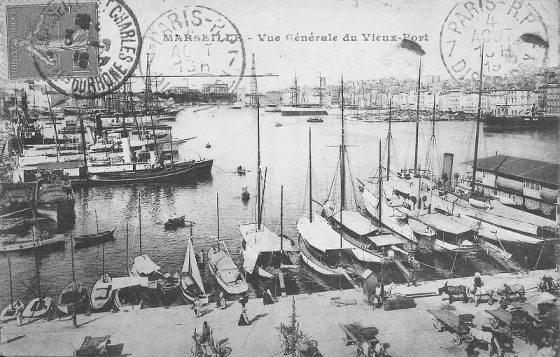 Carte postale ancienne Marseille-Vue Générale du Vieux-Port à Marseille 1er Arrondissement