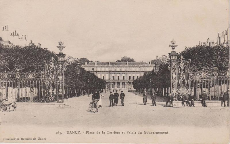 Carte postale ancienne Nancy - Place Carrière et Palais (CP 163) à Nancy