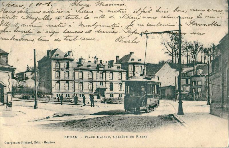 Carte postale ancienne Place Nassau, Collège de Filles à Sedan