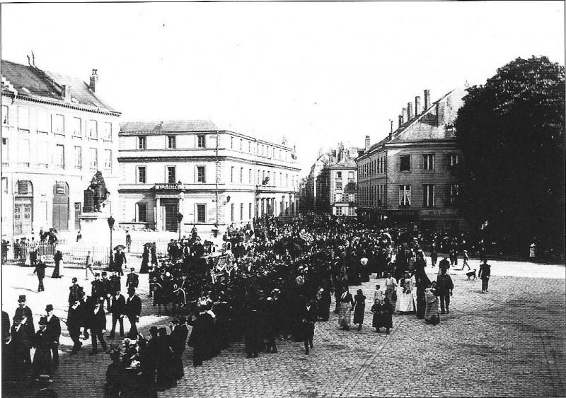 Carte postale ancienne Obsèques Victor Crussy mai 1898 à Sedan