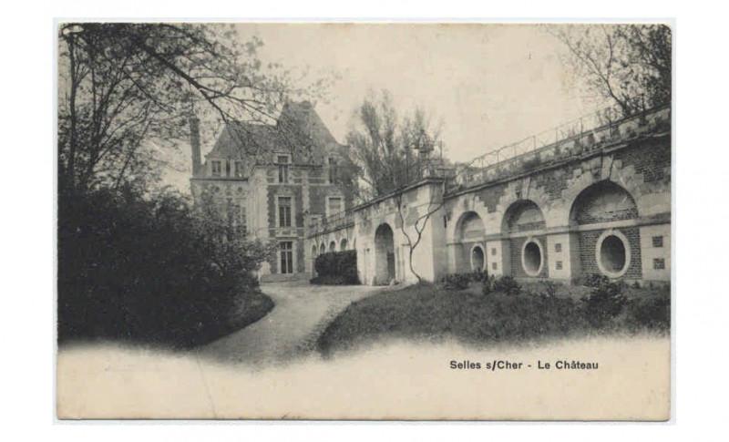 Carte postale ancienne Cartes postales de la collection des Archives départementales (FRAD041 6 FI) - 6 Fi 242-54 Le château