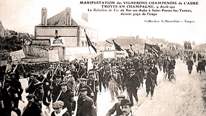Carte postale ancienne Champagne Manifestation à Troyes 9 04 11 à Troyes