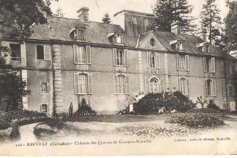 Carte postale ancienne Château des Comtes de Guernon-Ranville à Ranville