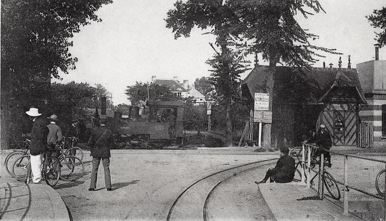 Carte postale ancienne Benouville gare à Bénouville