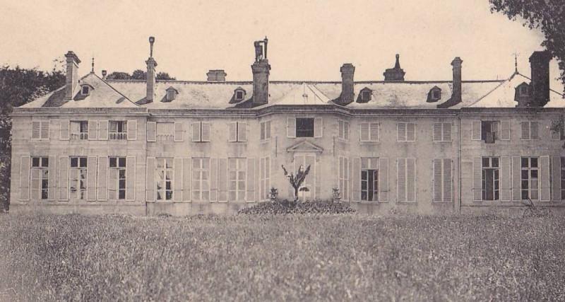 Carte postale ancienne Façade arrière du Château à Colombelles