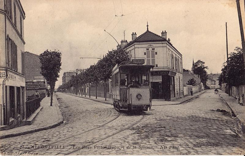 Carte postale ancienne 24 - ALFORTVILLE. Les Rues Victor-Hugo et de la Station à Alfortville