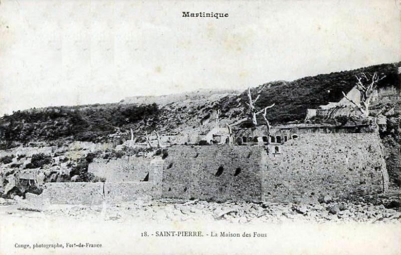 Carte postale ancienne Maison coloniale de santé en 1902