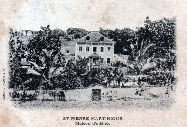 Carte postale ancienne Maison coloniale de santé