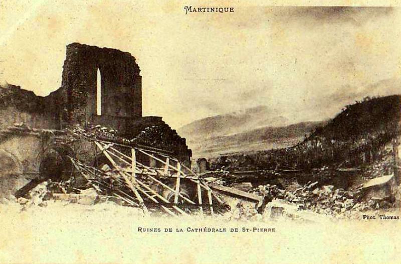 Carte postale ancienne Martinique ruines de Saint-Pierre