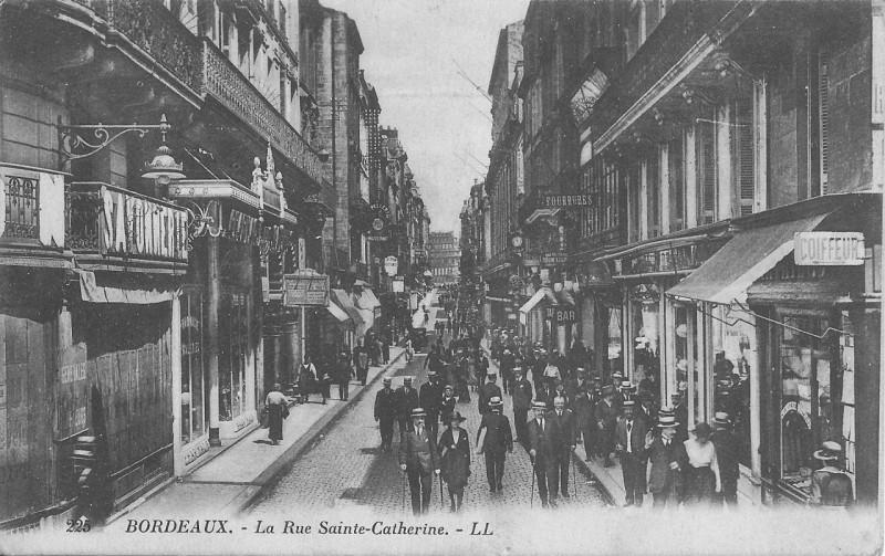 Carte postale ancienne Bordeaux-La Rue Sainte-Catherine-Ll 225 à Bordeaux