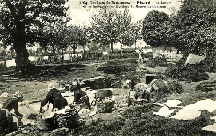 Carte postale ancienne Lavoir de Ploaré à Plouezoc'h