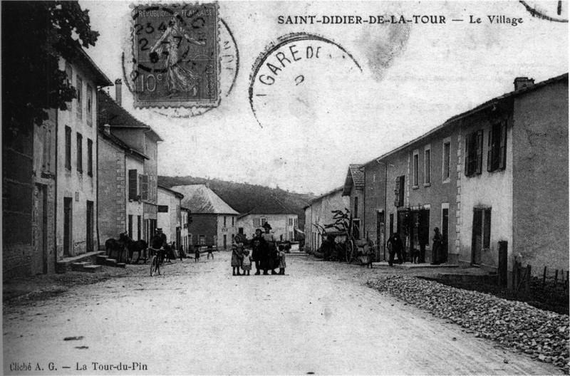 Carte postale ancienne Saint-Didier-de-la-Tour, 1907, p195 de L'Isère les 533 communes - cliché A G, La-Tour-du-Pin à