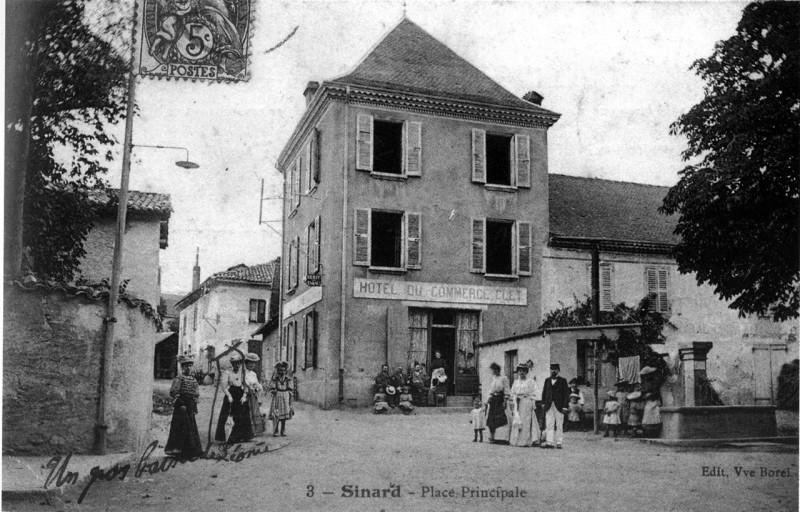 Carte postale ancienne Sinard, place principale, 1906, p245 de L'Isère les 533 communes - Edit Vve Borel à