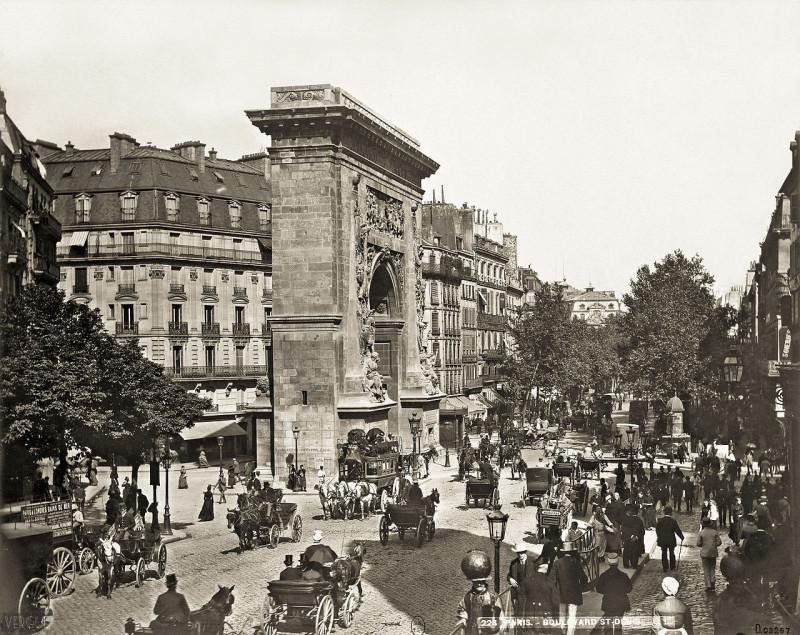 Carte postale ancienne Léon & Lévy, Boulevard et porte Saint-Denis, c. 1889 01 à Paris 2e