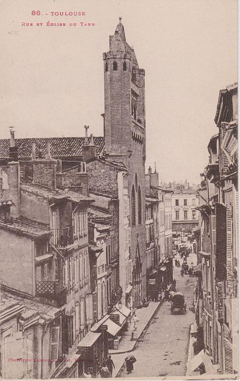 Carte postale ancienne Toulouse - Rue et église du Taur (Labouche) à Toulouse