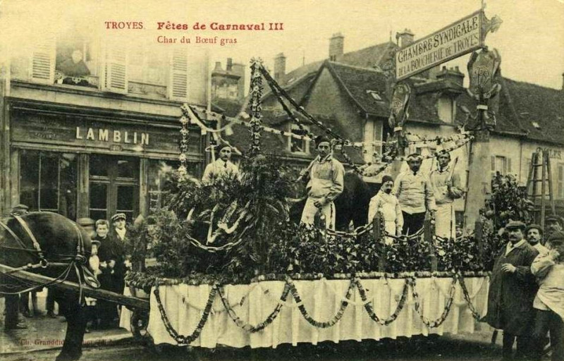 Carte postale ancienne Boeuf Gras de Troyes à Troyes
