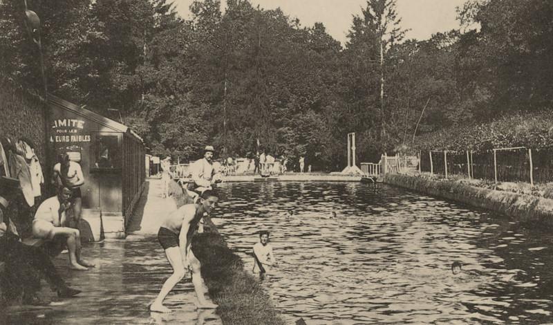 Carte postale ancienne Anciens bains des Pages - Parc de Versailles - carte postale vers 1910 (2) à Versailles