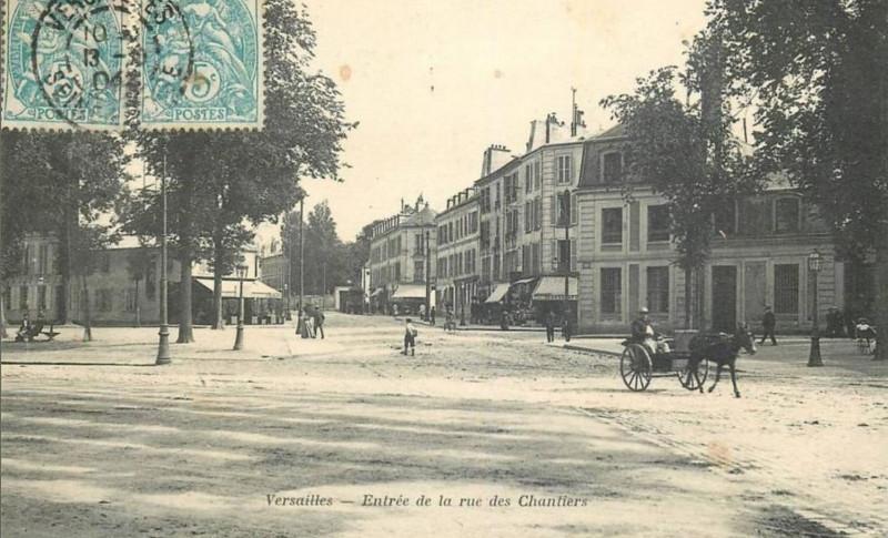 Carte postale ancienne Entrée de la rue des Chantiers à Versailles