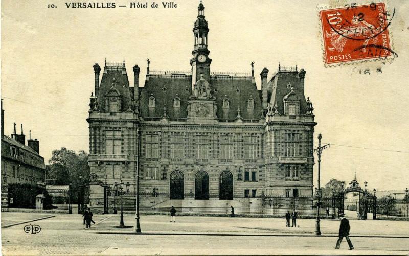 Carte postale ancienne Hôtel de Ville à Versailles