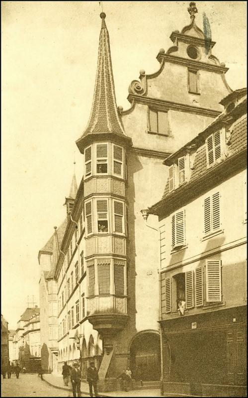 Carte postale ancienne Colmar ~ 1900. Maison des Arcades à Colmar