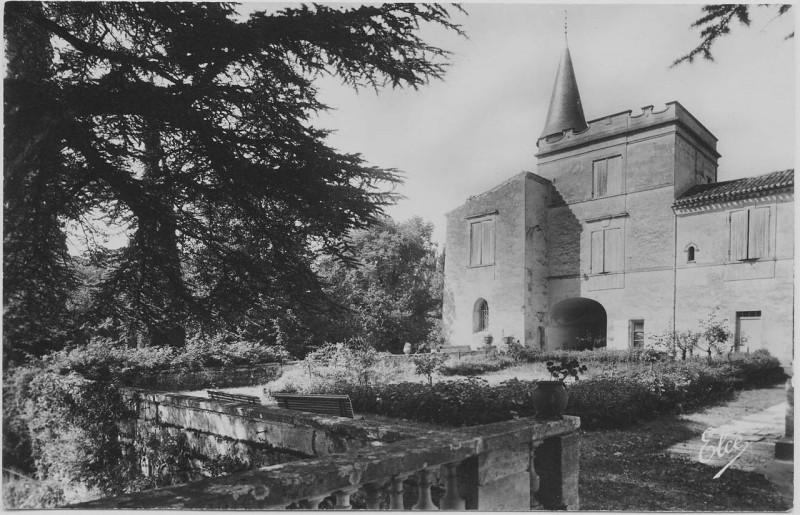 Carte postale ancienne Chateau-lagorce3 à