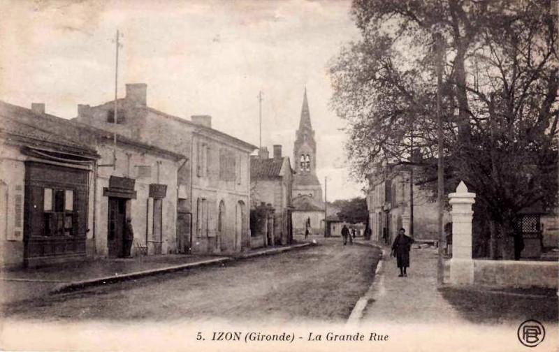 Carte postale ancienne Izon la-rue-principale 5 à