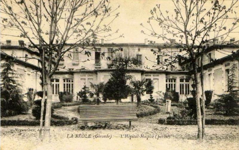 Carte postale ancienne La Réole - Hospice 2 à
