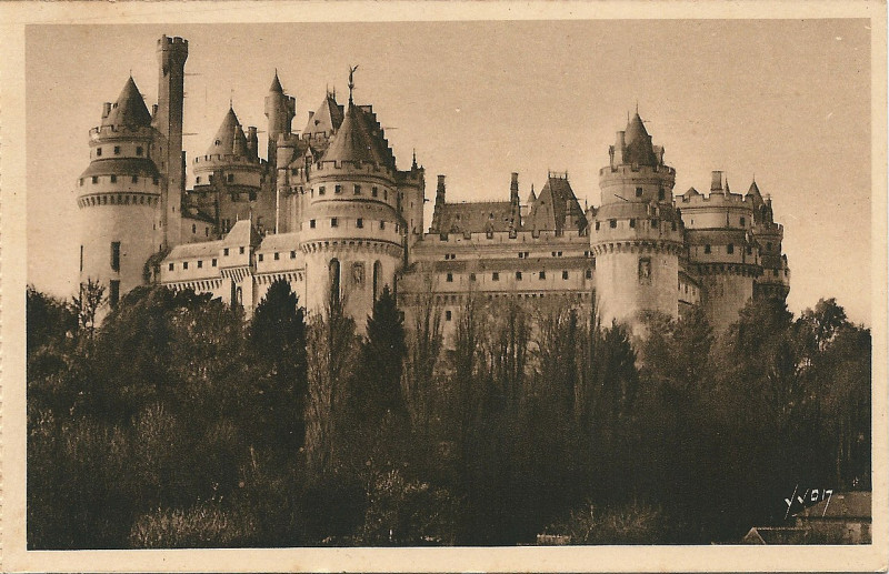 Carte postale ancienne Pierrefonds-Fr-60-vers 1935-Cpa-01 à