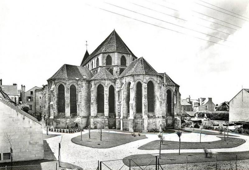 Carte postale ancienne L1777 - Lagny-sur-Marne - Abbatiale Notre-Dame-des-Ardents et Saint-Pierre à
