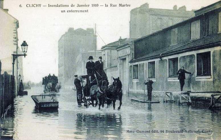 Carte postale ancienne Rue Martre - Crue 1910 à Clichy