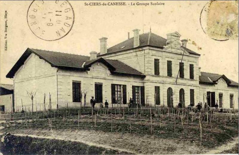 Carte postale ancienne Saint-Ciers-de-Canesse - Groupe scolaire à